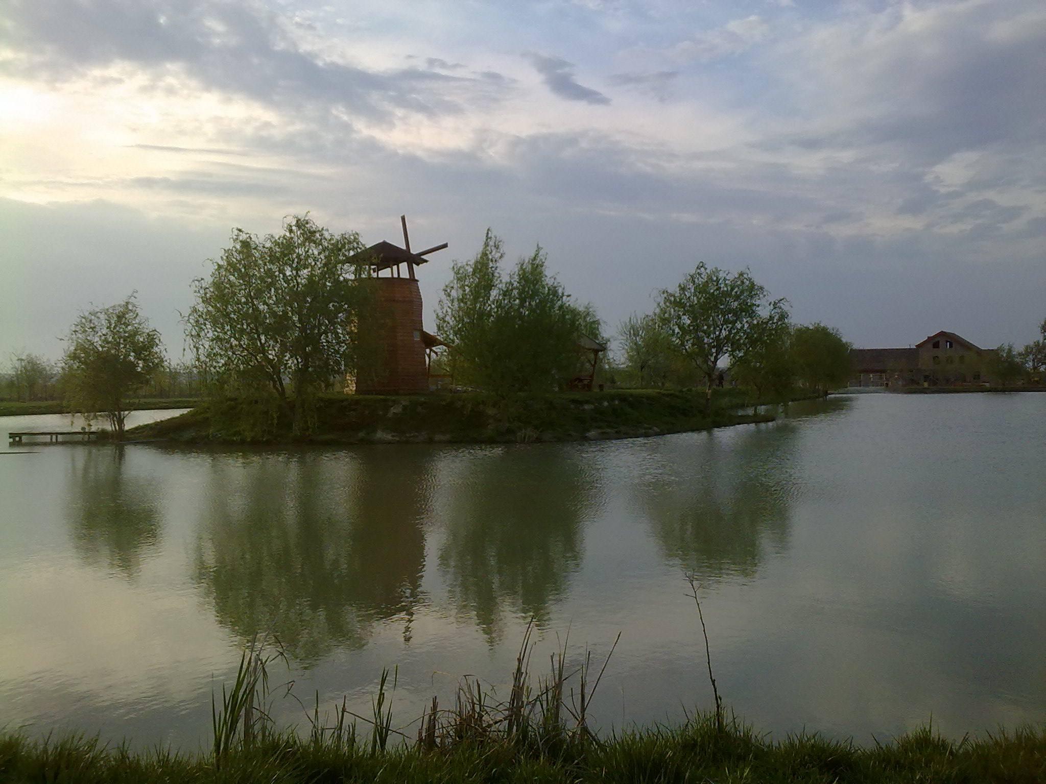 komercijalno jezero vojvodina